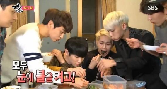 SHINee メンバーが食べ物に必死で喰らいつく姿・・見たくない? (6)